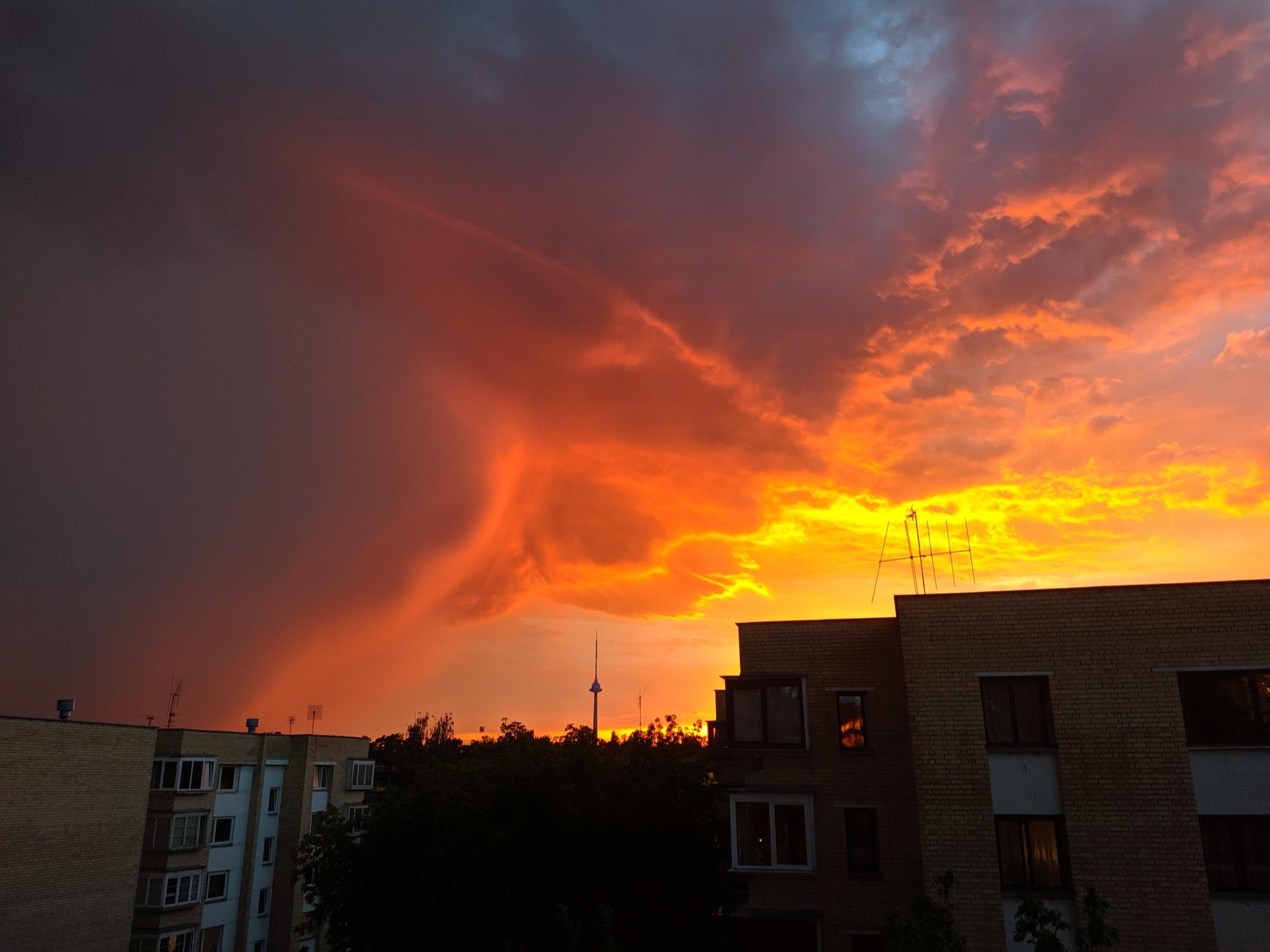 Vasaros dangus